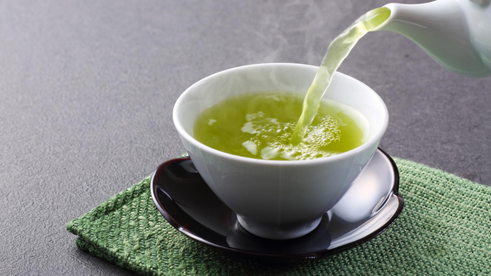 なにげなく飲んでいるその緑茶、じつは素晴らしいダイエット効果があるって知ってた?