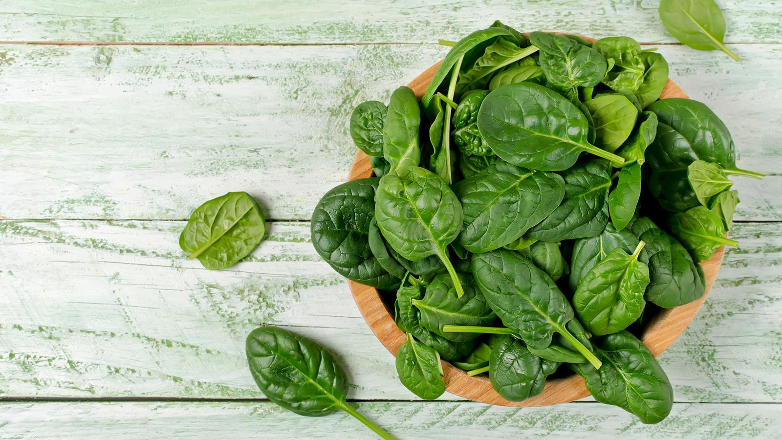 ほうれん草は糖質制限中に食べていい?美容にもいい食べ方のコツをご紹介!