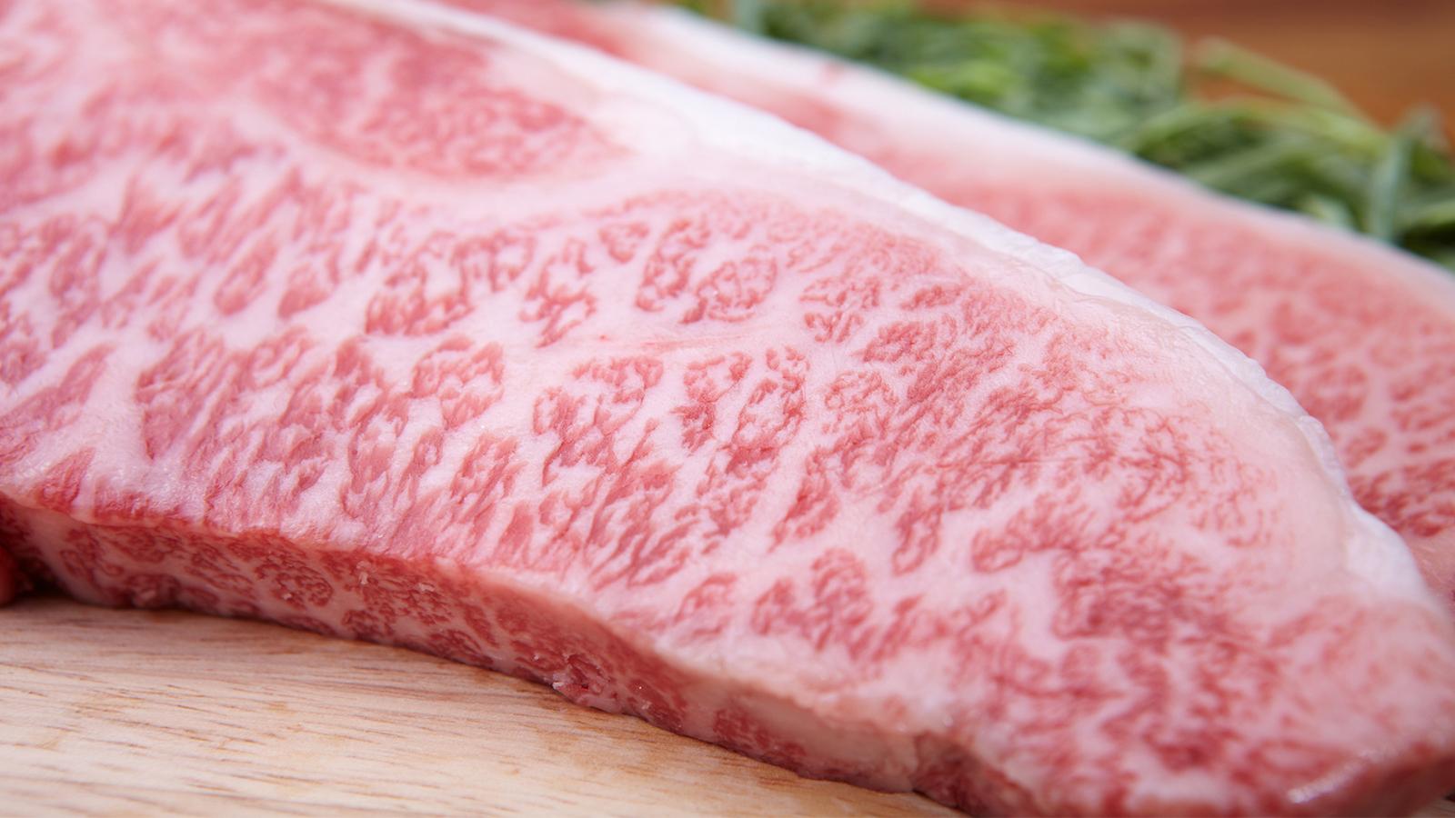 糖質制限中に牛肉は食べてもいいの?詳しい栄養素と食べ方のポイントをチェック
